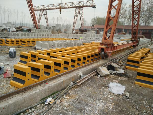 水泥隔离墩制作标准